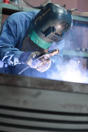 SPECILIZED-PERSONEL-AND-CERTIFIED-WELDERS